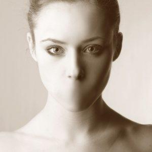 Violenza sulle donne e dinamiche di vittimizzazione - Immagine: © olly - Fotolia.com