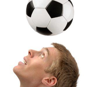 Anche il calcio praticato fa male alla salute - Immagine: © Smileus - Fotolia.com -