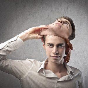 Il sé-concettualizzato: la maschera (scomoda) che indossiamo. - Immagine: © olly - Fotolia.com
