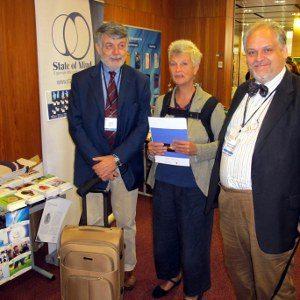 EABCT 2012 - Davanti allo stand di State of Mind: Gianni Liotti, Sandra Sassaroli, Giovanni Maria Ruggiero