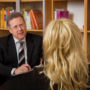 Il Colloquio Psicologico: Il Colloquio Tra Rogers & Carkhuff. - Immagine: © Gina Sanders - Fotolia.com