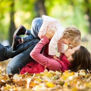 Mother-child-attachment-and-the-development-of-disorders-–-Inconsistent-results. - Immagine: © Igor Yaruta - Fotolia.com