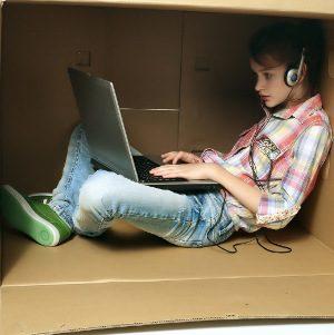 Adolescenti internet 300 - Immagine:  © Romario Ien - Fotolia.com