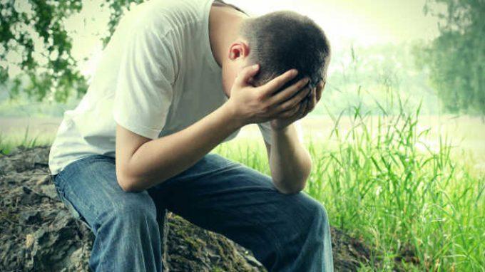 Adulti Asperger inclini a pensieri suicidi: che influenza ha la società?