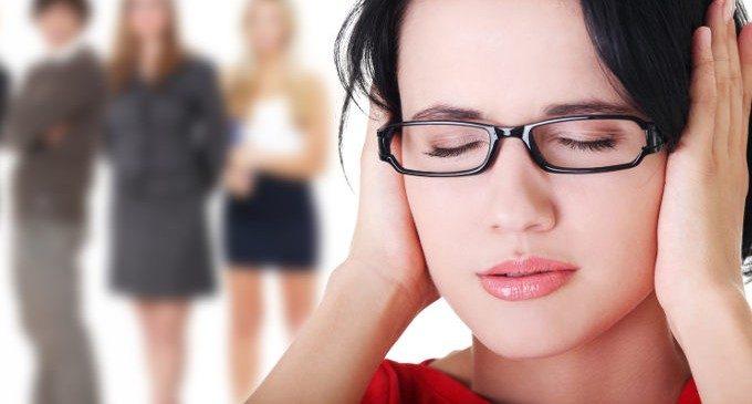 Fobia sociale: perfezionismo e ruminazione come predittori di ansia sociale e depressione