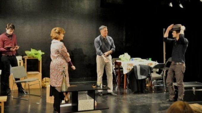 La Psicologia a Teatro: l'immigrazione e il gioco d'azzardo in scena