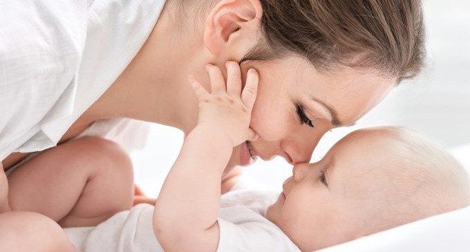 Ascoltare la voce della propria mamma aiuta lo sviluppo cerebrale nei bambini nati prematuri