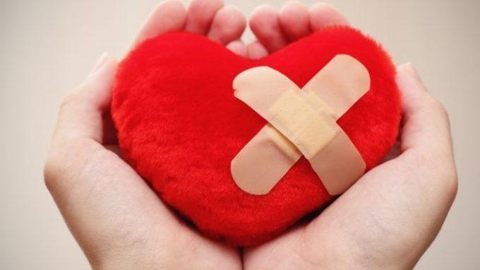 Un cattivo matrimonio spezza davvero il cuore? Relazioni sentimentali & malattie cardiache
