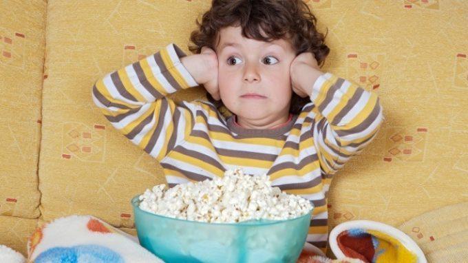 Il contenuto spaventoso dei programmi televisivi può facilitare la comparsa di disturbi internalizzanti nei bambini?