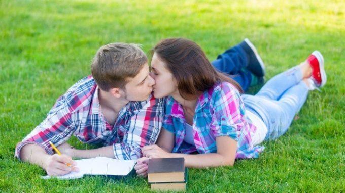 Attaccamento e Sessualità in Adolescenza