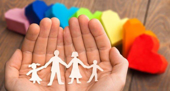 Le relazioni di attaccamento tra bambino e caregiver – Introduzione alla Psicologia nr. 21