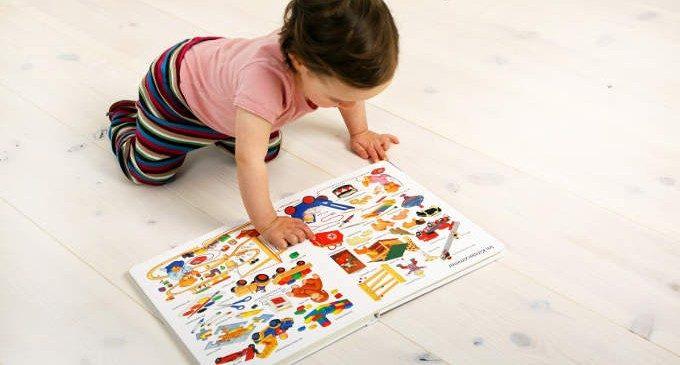 """Dal suono al significato: i bambini prelinguistici sanno che le parole """"stanno per"""" qualcos'altro?"""