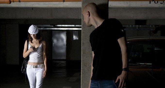 Stalking: il corteggiamento diventa persecuzione. Ma perché?