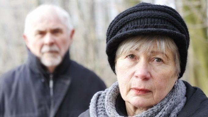 Prendersi cura di un malato di Alzheimer: più stress per i coniugi