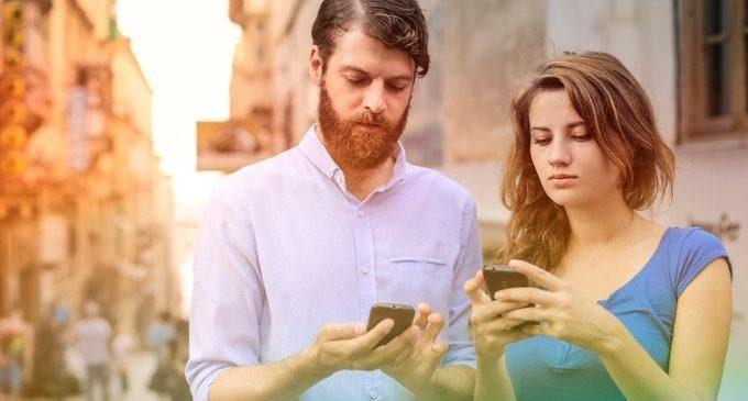 Lo sviluppo dei social network: fenomeno di socializzazione o alienazione?