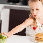 Alimentazione Selettiva: una fase dello sviluppo normale oppure un disturbo? Quando e come è opportuno intervenire? - Immagine: 100303395