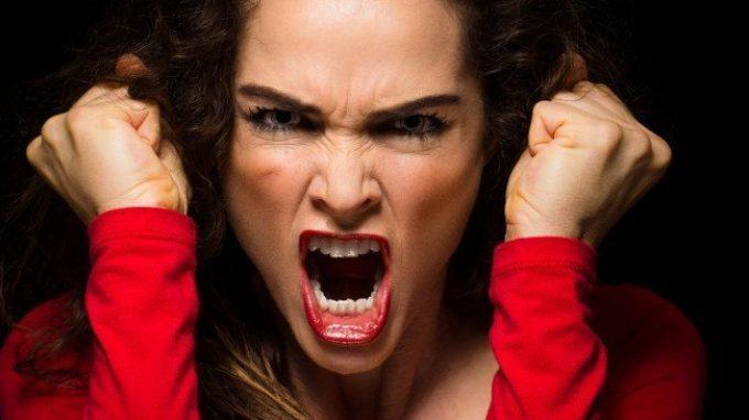 Amazzoni dentro: origini e cause dell'aggressività femminile