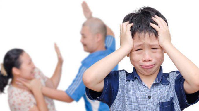 Violenza domestica: come i partner abusanti utilizzano i propri figli per controllare le partner ed ex partner?