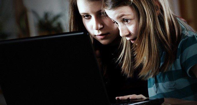 Cyber pedofilia: una minaccia virtuale ma reale, a partire dai Social Network