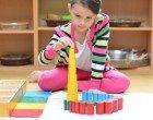 L'educazione montessoriana: caratteristiche ed effetti sulle funzioni cognitive nell'età infantile