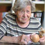 Terapia della bambola: una terapia non farmacologica per la demenza