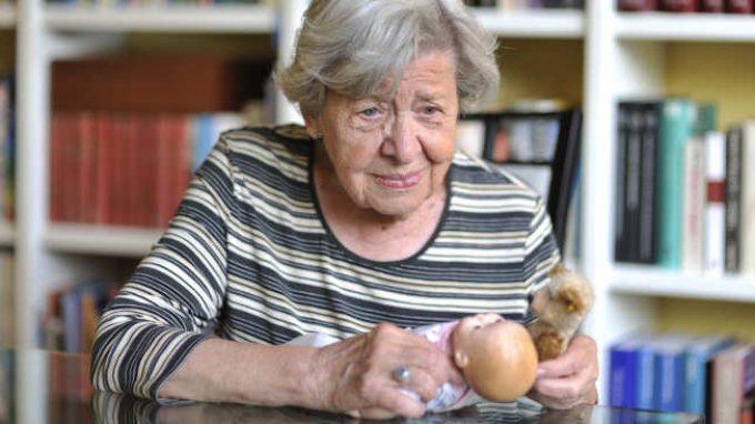 Terapia della bambola: una terapia non farmacologica per la gestione dei sintomi comportamentali della demenza senile