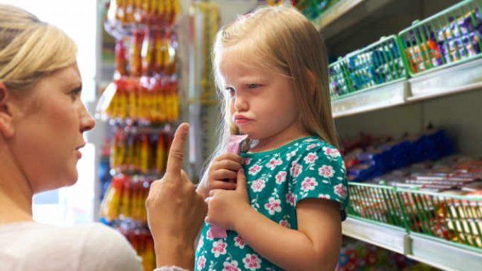 Nag Factor, detto anche fattore assillo dei bambini: cos'è e come reagire