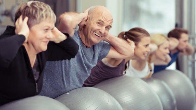 Invecchiamento positivo e centenari: teorie e studi sulla longevità