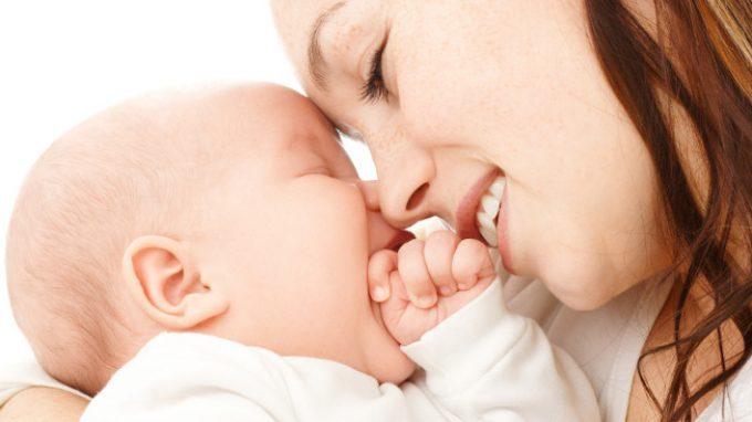 Relazione madre-figlio: l'interdipendenza nel legame d'attaccamento