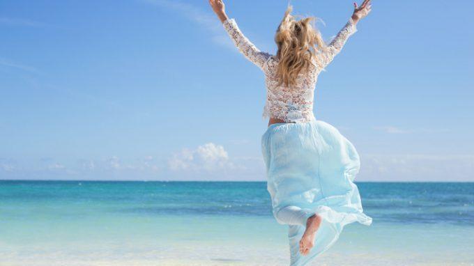 """Alla ricerca della felicità: adottare il pensiero positivo o percorrere la """"via negativa""""?"""