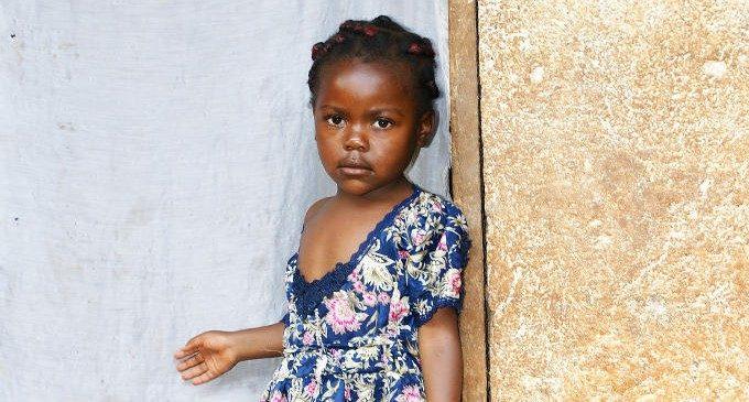 Significato e implicazioni psicologiche del breast ironing nelle comunità camerunesi