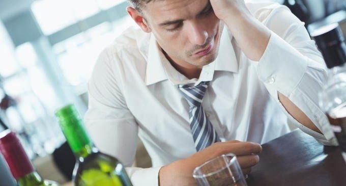 La terapia metacognitiva per persone con problemi di uso di alcol: uno studio sperimentale