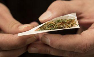 L'abuso di cannabis può causare psicosi