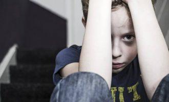 Bambini maltrattati: ecco come reagisce il loro cervello a parole di rifiuto