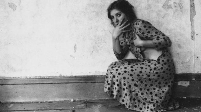 """Francesca Woodman e l'arte della fotografia: """"E' una questione di convenienza: io sono sempre disponibile"""""""
