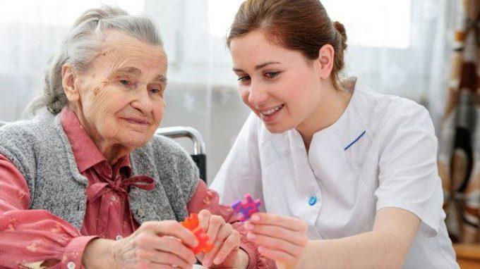 Il Programma Montessori per la Demenza: oltre il trattamento farmacologico delle demenze