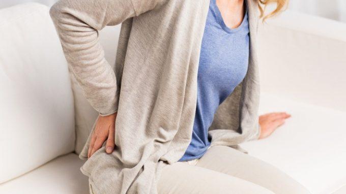 Lombalgia cronica: come gli atteggiamenti degli specialisti influenzano il trattamento e le credenze del paziente