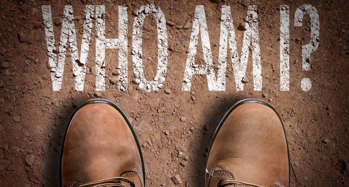 Chi siamo? Da dove veniamo? – Evitare le domande esistenziali può minare la nostra salute mentale