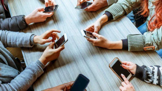 Smartphone e Mindfulness: come prevenire lo stress causato dal Multitasking