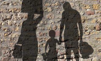 Depressione in Occidente: per superarla bisognerebbe imparare dagli immigrati