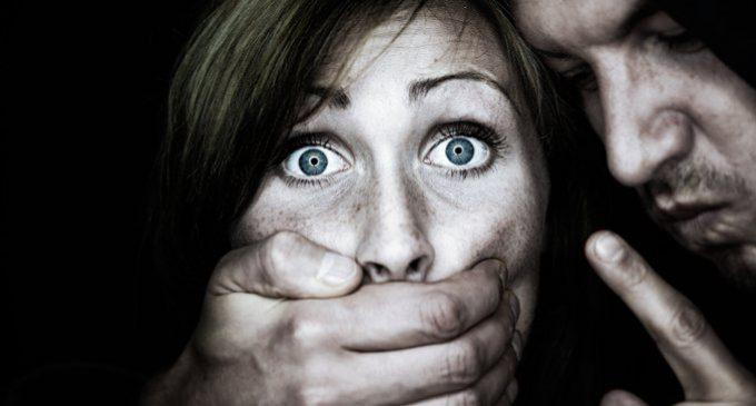 Gli aspetti psicologici della violenza sessuale: come e perché agisce lo stupratore?