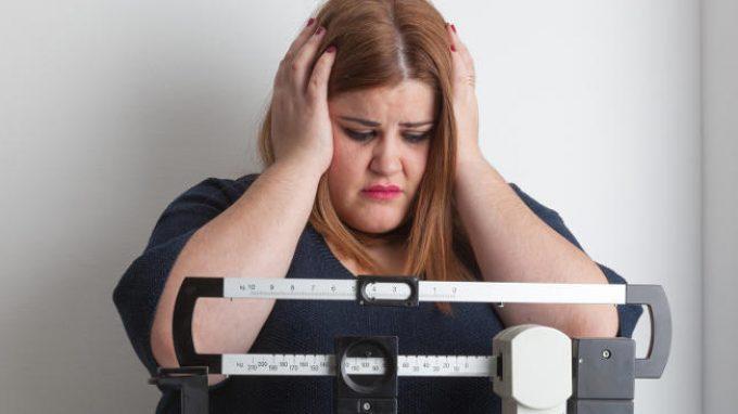 Aderenza alla restrizione dietetica e implicazioni per il trattamento dell'obesità: i processi cognitivi coinvolti