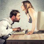 Pornografia e minore attrazione verso il partner: c'è una relazione?
