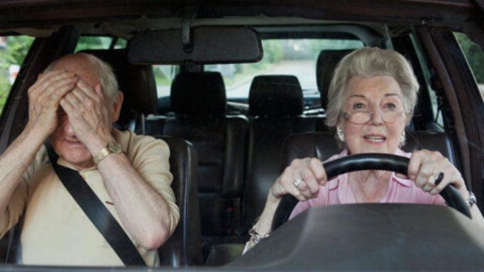 Anziani alla guida: e se avessi l'Alzheimer?