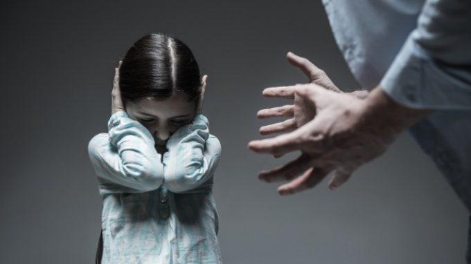 Le conseguenze a breve e a lungo termine prodotte dalle esperienze violente: il mondo delle rappresentazioni mentali della vittima di maltrattamento infantile
