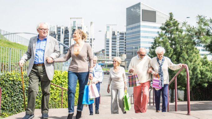 Costruire città Age-Friendly per favorire l' invecchiamento attivo