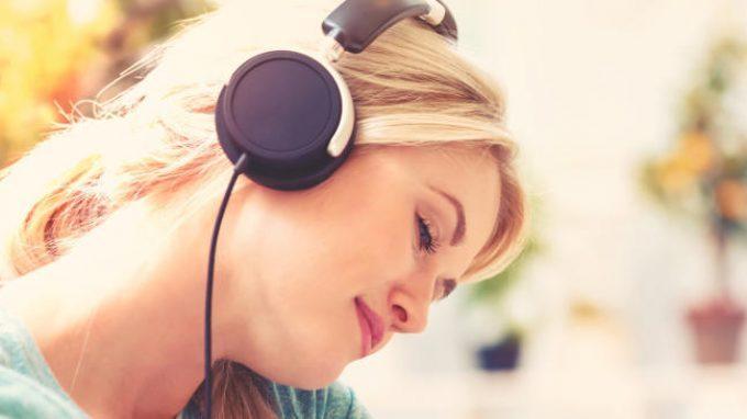 """Il legame tra musica e """"pelle d'oca"""": l'importanza dei fattori cognitivi"""
