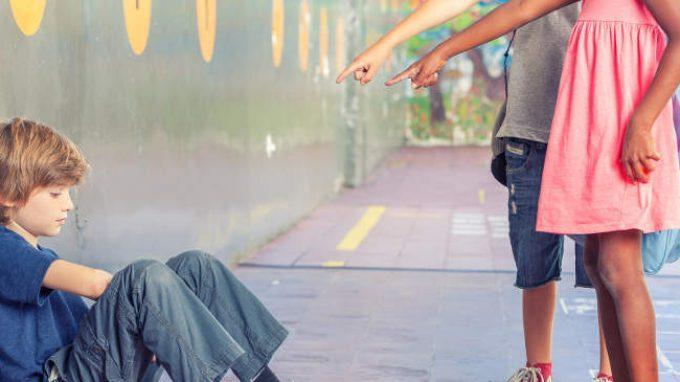 Essere vittime di bullismo in età infantile aumenta il rischio di sviluppare disturbi cronici in età adulta