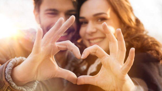 Le ragioni del cuore: in base a quali caratteristiche scegliamo il nostro partner?