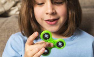 I fidget spinner sono solo un capriccio o combattono davvero ansia e stress?